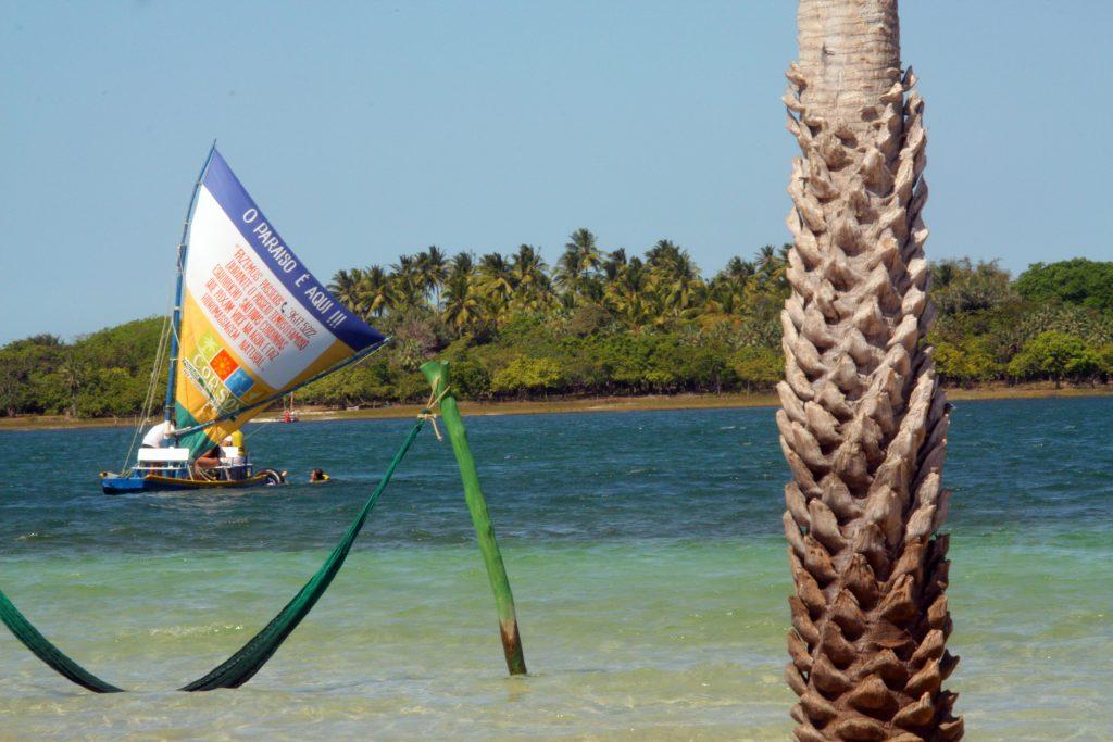 redes na água lagoa do paraíso jericoacoara