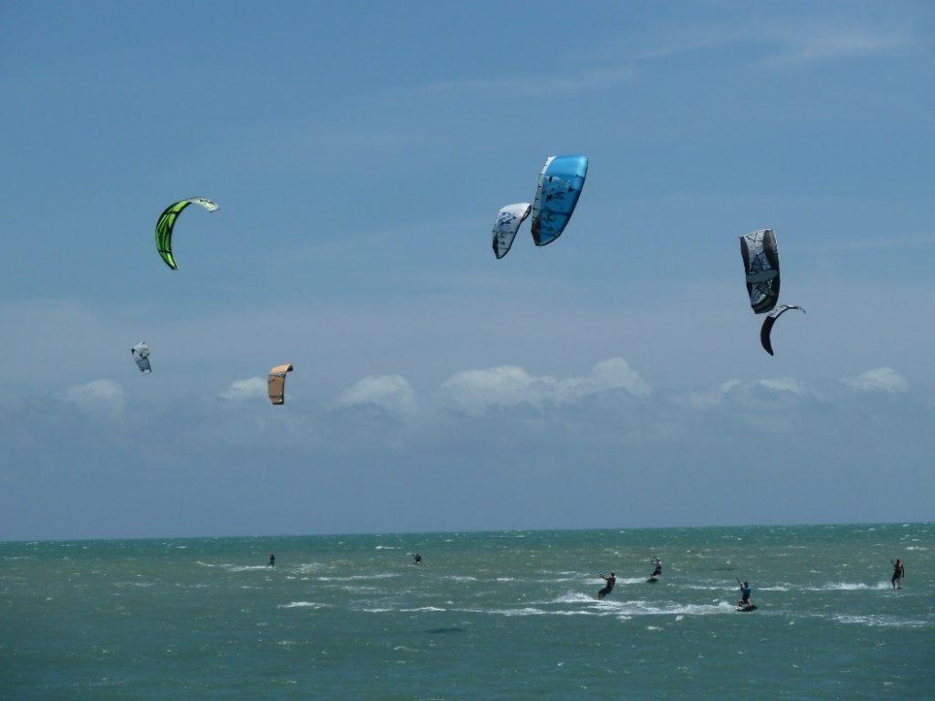 windsurf na praia do cumbuco